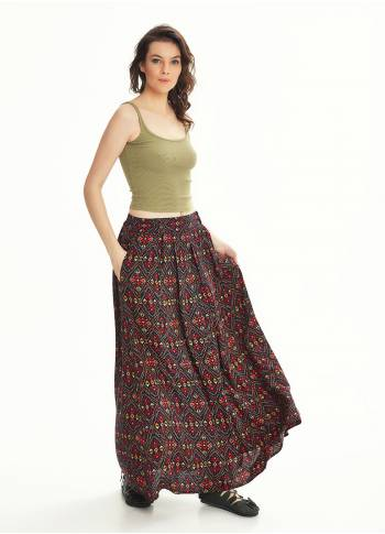 Ethnic Print Pleated Elastic Banded Maxi Black Skirt